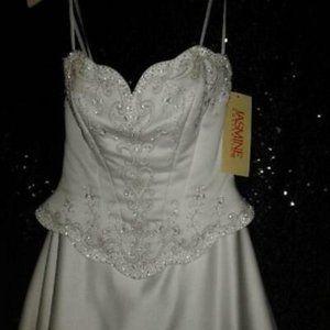 Jasmine Wedding Gown w/Clover Heart Embroidery OBO